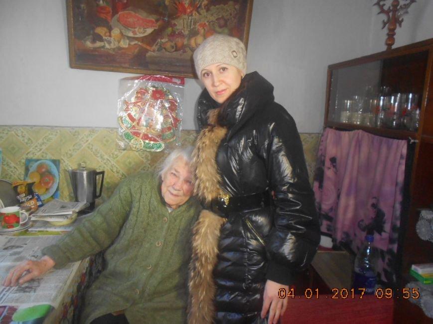 Одинокие пенсионеры Добропольского района получили гуманитарную помощь, фото-1