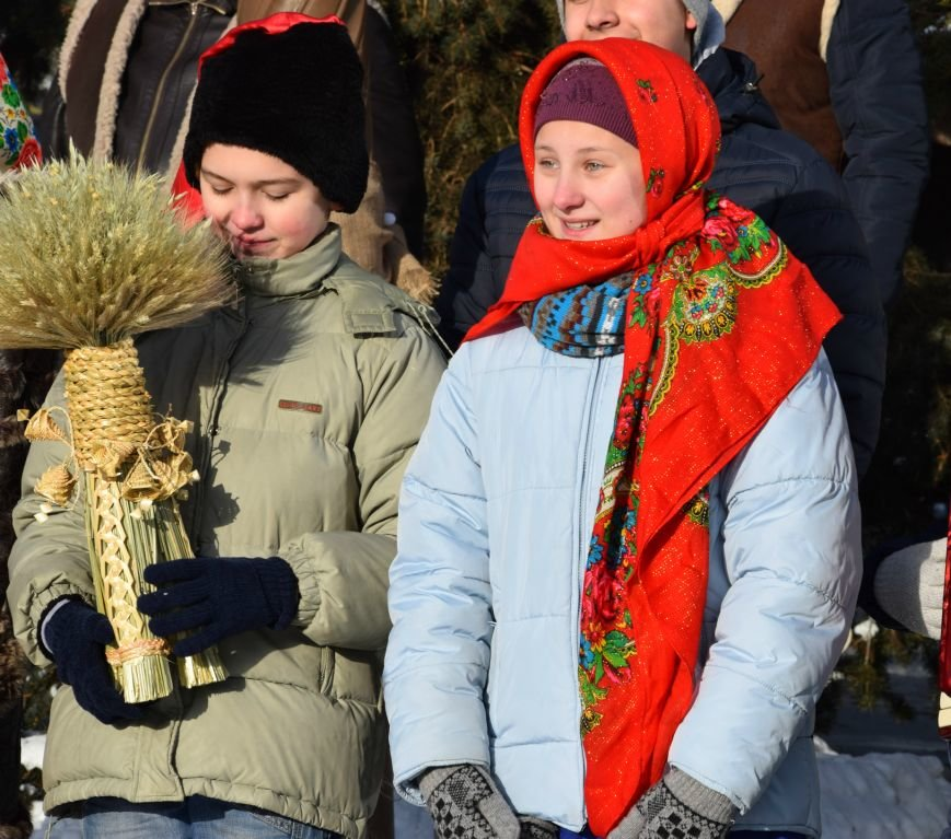 У Луцьку встановили символ Різдвяних свят, фото-15
