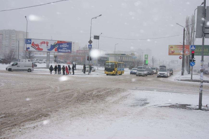 На центральных улицах Одессы так и не появилась снегоуборочная техника (ФОТОРЕПОРТАЖ), фото-4