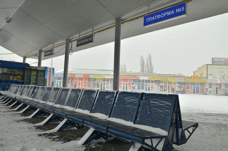 Автостанция «Привоз» прекратила работу: закрыты трассы (ФОТО), фото-2