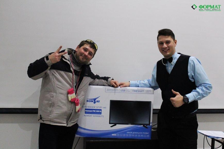 Компания ФОРМАТ вручила счастливчику телевизор., фото-7