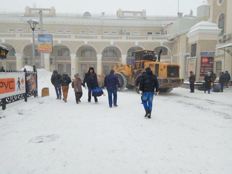 Электрички идут с вокзала Одессы и обратно с опозданием (ВИДЕО, ФОТО), фото-7