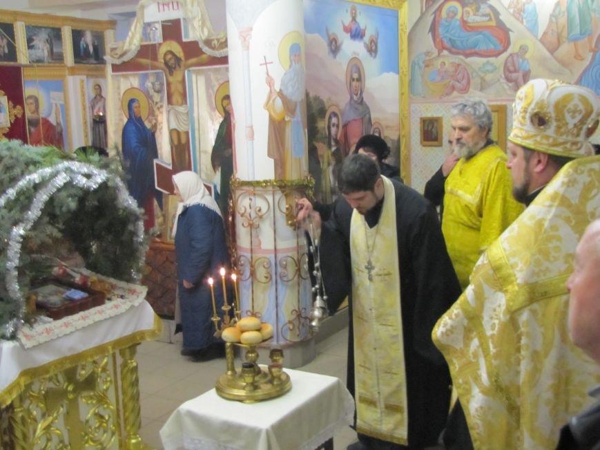 В Мелитополе началась традиционная вечерняя Рождественская служба (фото, видео), фото-18