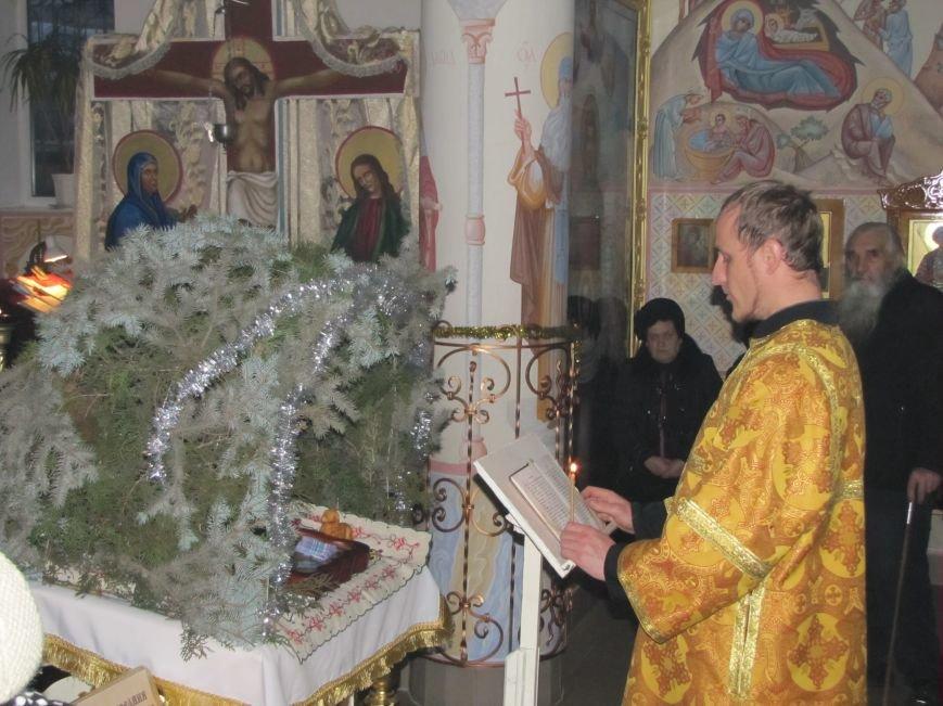 В Мелитополе началась традиционная вечерняя Рождественская служба (фото, видео), фото-14