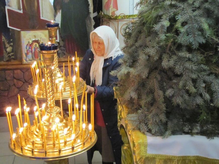 В Мелитополе началась традиционная вечерняя Рождественская служба (фото, видео), фото-10