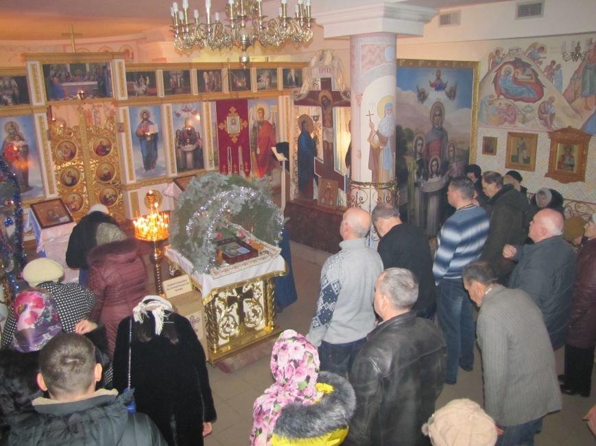 В Мелитополе началась традиционная вечерняя Рождественская служба (фото, видео), фото-17