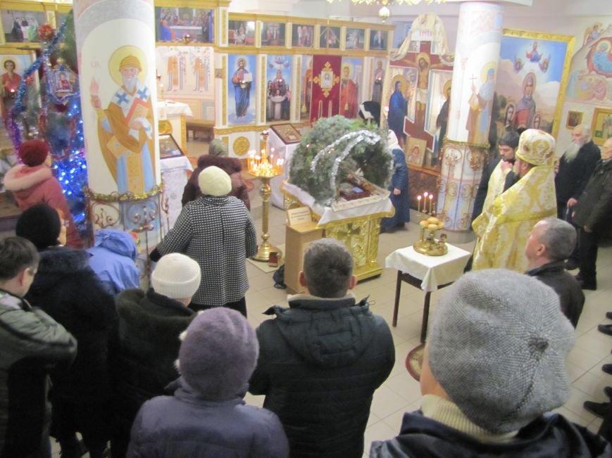 В Мелитополе началась традиционная вечерняя Рождественская служба (фото, видео), фото-13
