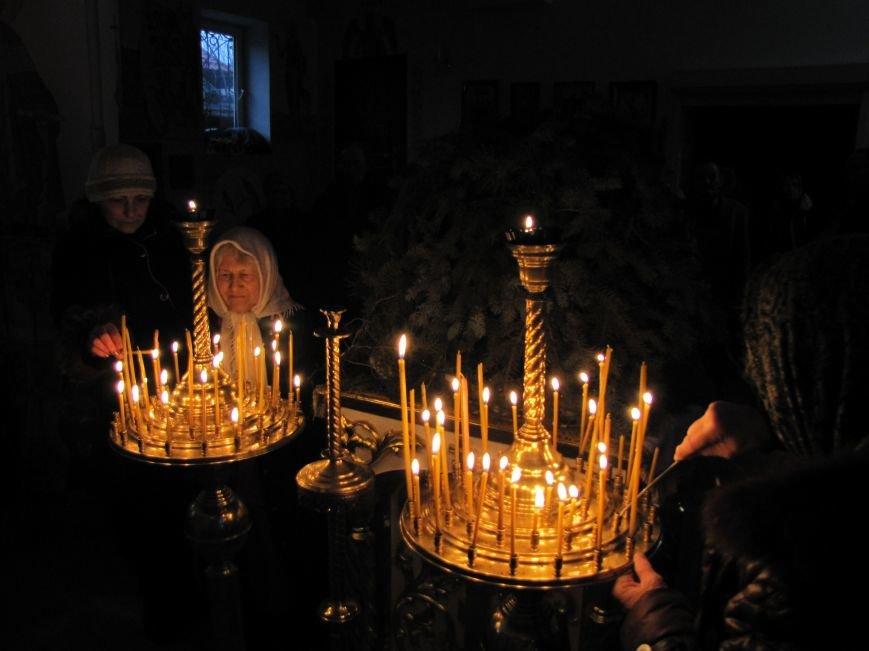 В Мелитополе началась традиционная вечерняя Рождественская служба (фото, видео), фото-19