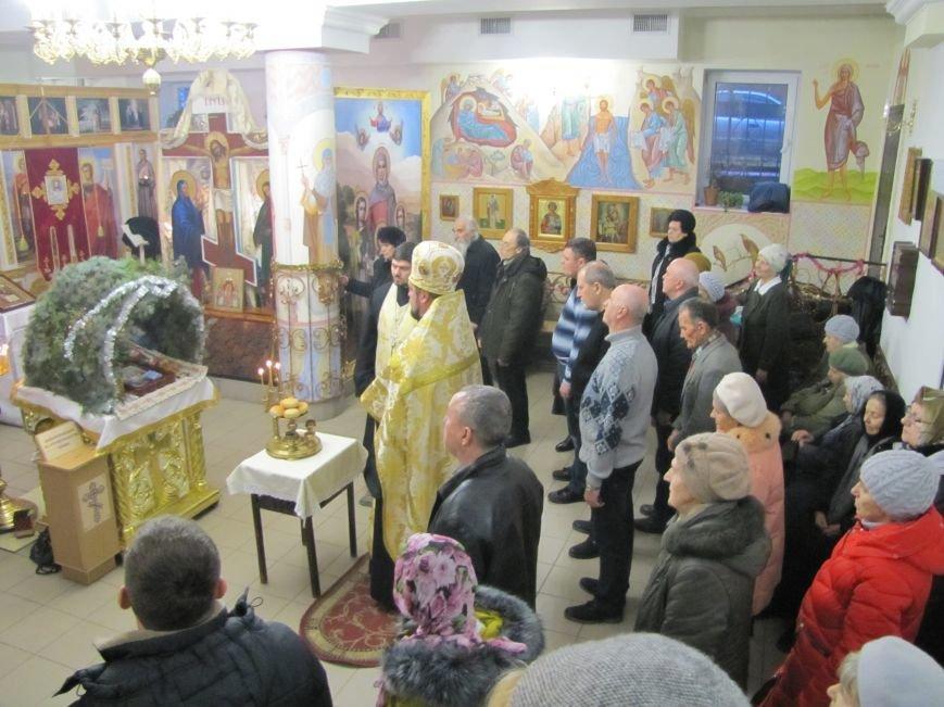 В Мелитополе началась традиционная вечерняя Рождественская служба (фото, видео), фото-12