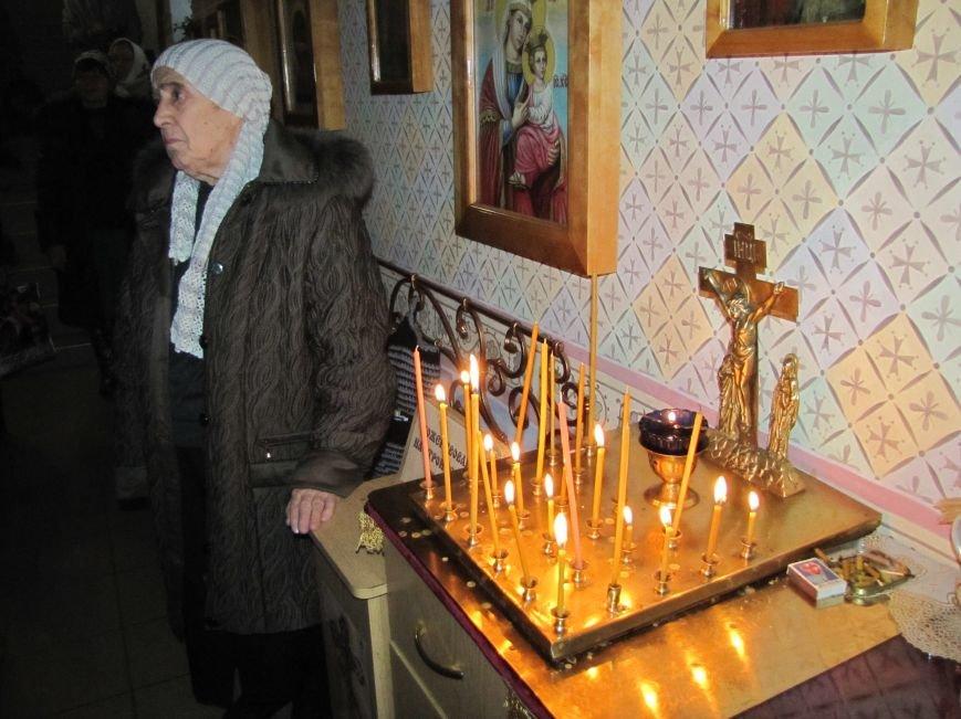 В Мелитополе началась традиционная вечерняя Рождественская служба (фото, видео), фото-6