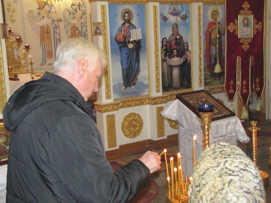 В Мелитополе началась традиционная вечерняя Рождественская служба (фото, видео), фото-1