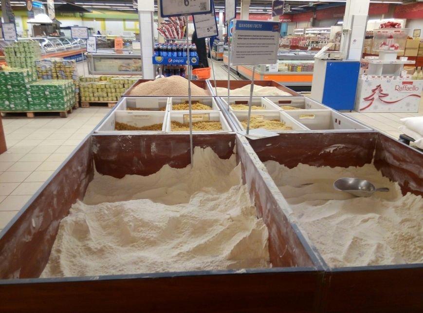Хлебный кризис: Одесситы смели с прилавков весь хлеб и муку (ФОТО), фото-5
