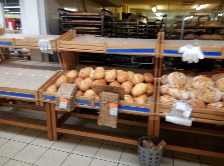 Хлебный кризис: Одесситы смели с прилавков весь хлеб и муку (ФОТО), фото-4