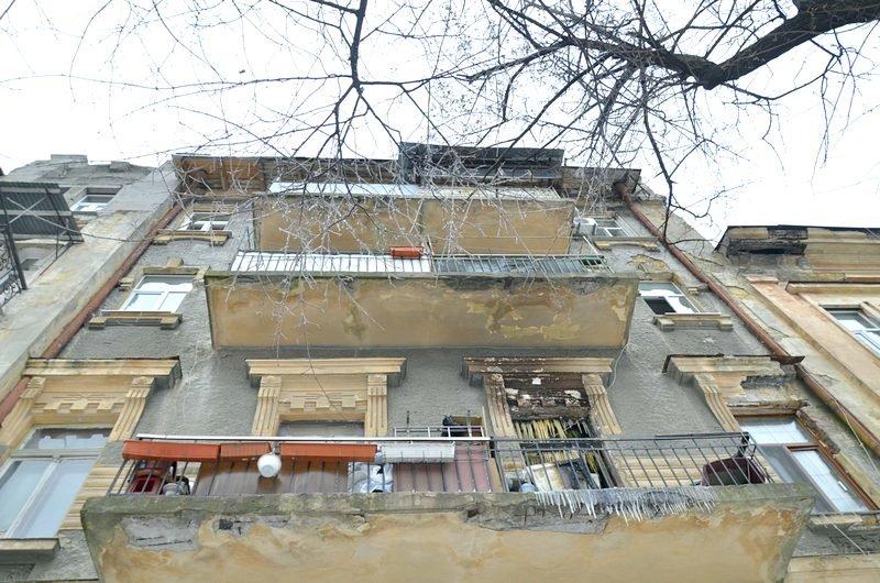 Ночью в центре Одессы горел дом (ВИДЕО), фото-4