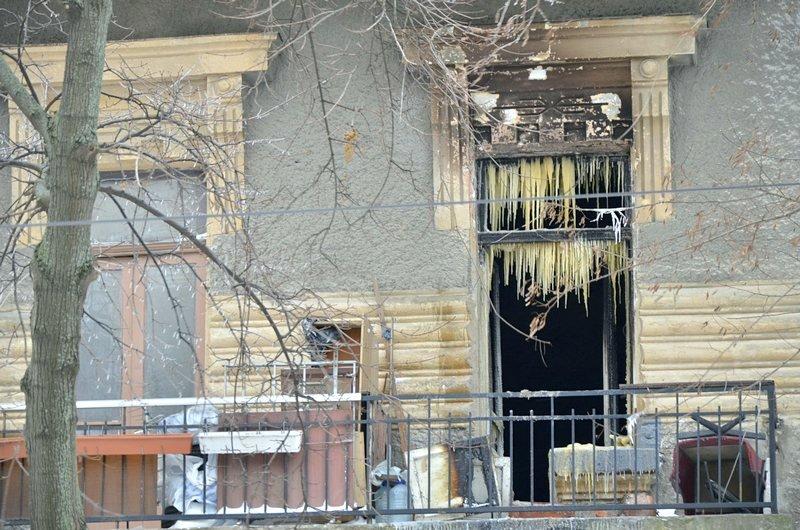 Ночью в центре Одессы горел дом (ВИДЕО), фото-1