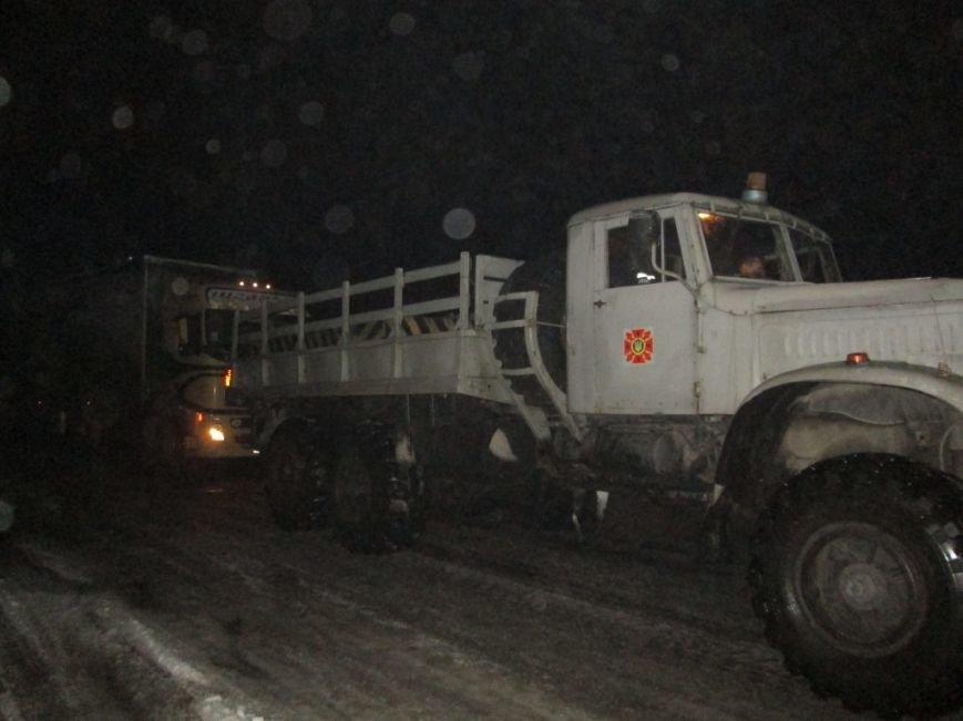 В Запорожской области 33 машины и 41 человек застряли на дорогах из-за снегопада, - ФОТО, фото-4