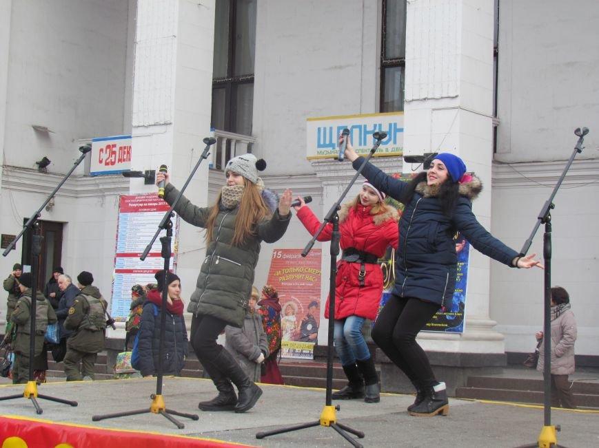 Мариупольцев с Рождеством поздравляли песнями (ФОТО), фото-6