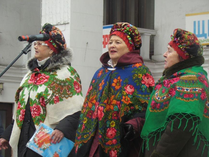 Мариупольцев с Рождеством поздравляли песнями (ФОТО), фото-1