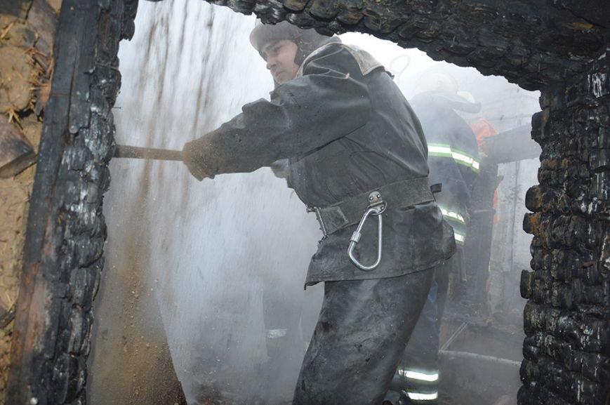 Пожар в Днепре на Рождество: спасатели нашли заживо сгоревшего человека (ФОТО), фото-1