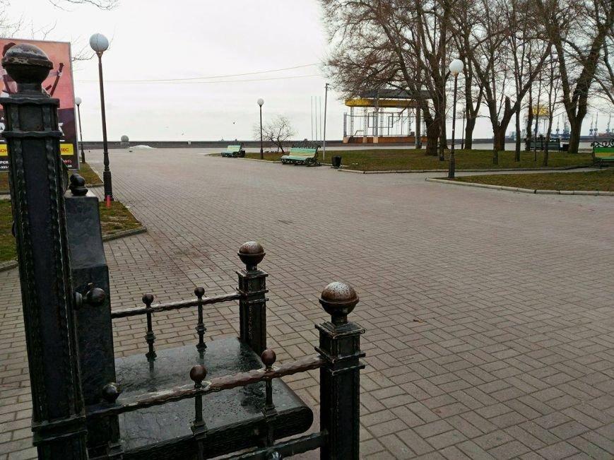 Безлюдный Бердянск: как выглядит курортный город зимой, - ФОТОРЕПОРТАЖ, фото-6