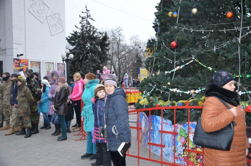 В Мариуполе патриоты пели колядки у городской елки (ФОТО+ВИДЕО), фото-6
