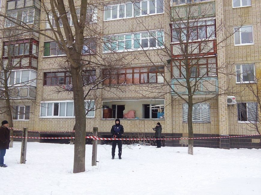 В Сумах патрульные эвакуировали жителей дома на пр. Лушпы, где прогремел взрыв (ФОТО), фото-5