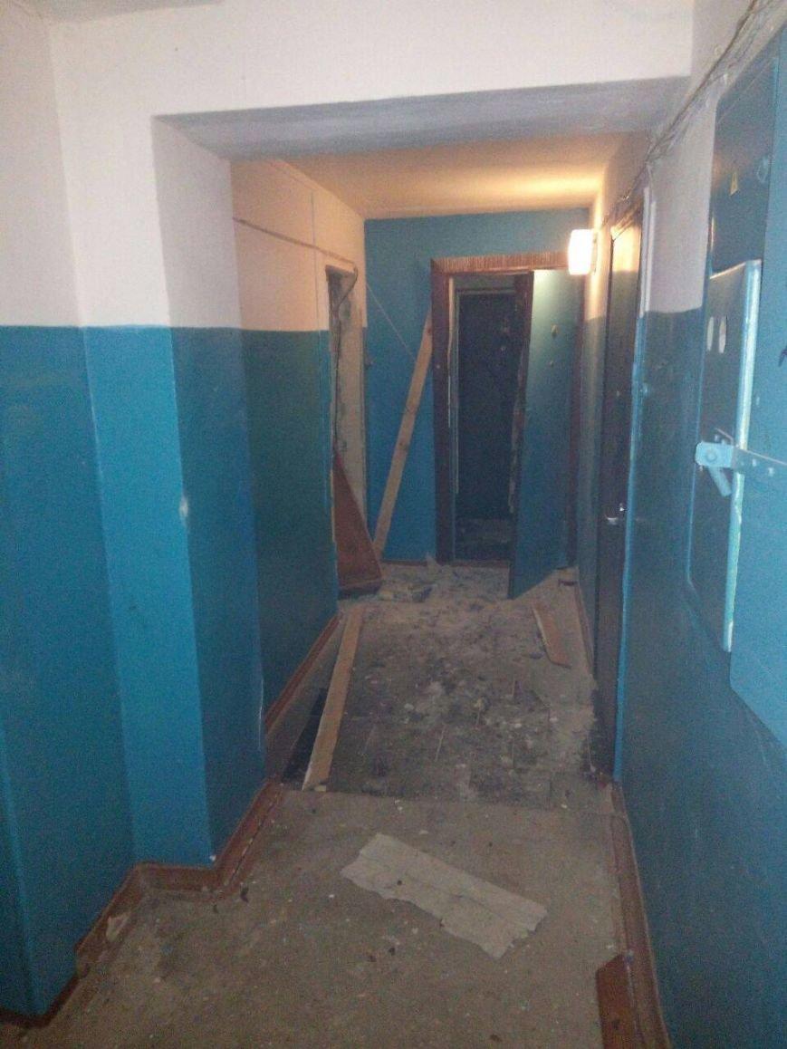 В Сумах патрульные эвакуировали жителей дома на пр. Лушпы, где прогремел взрыв (ФОТО), фото-3