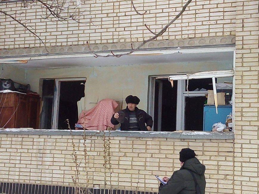 В Сумах патрульные эвакуировали жителей дома на пр. Лушпы, где прогремел взрыв (ФОТО), фото-4