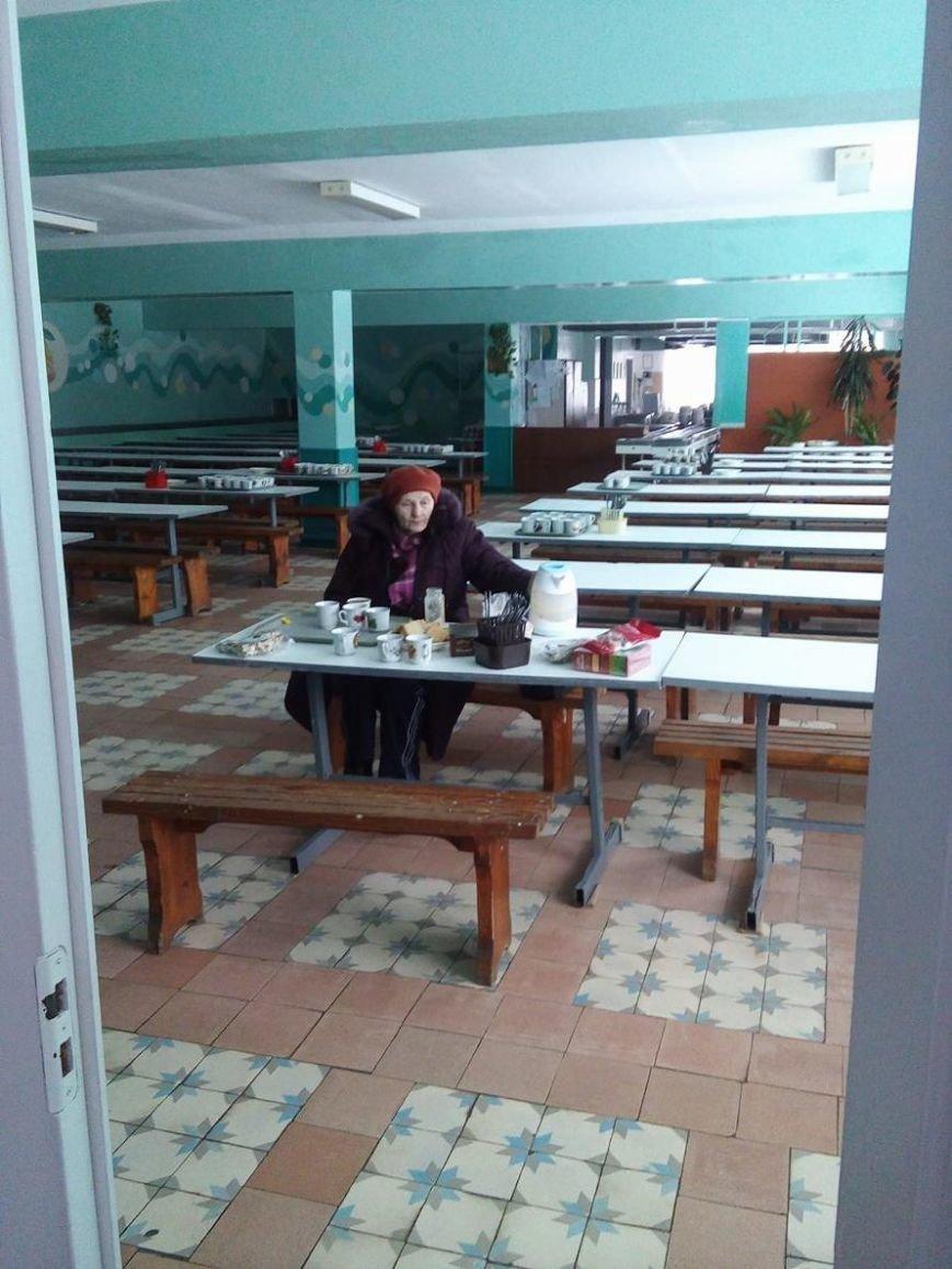 Для эвакуированных жителей дома на пр. Лушпы,  где прогремел взрыв, организовали пункт обогрева в школе № 23 (ФОТО), фото-2