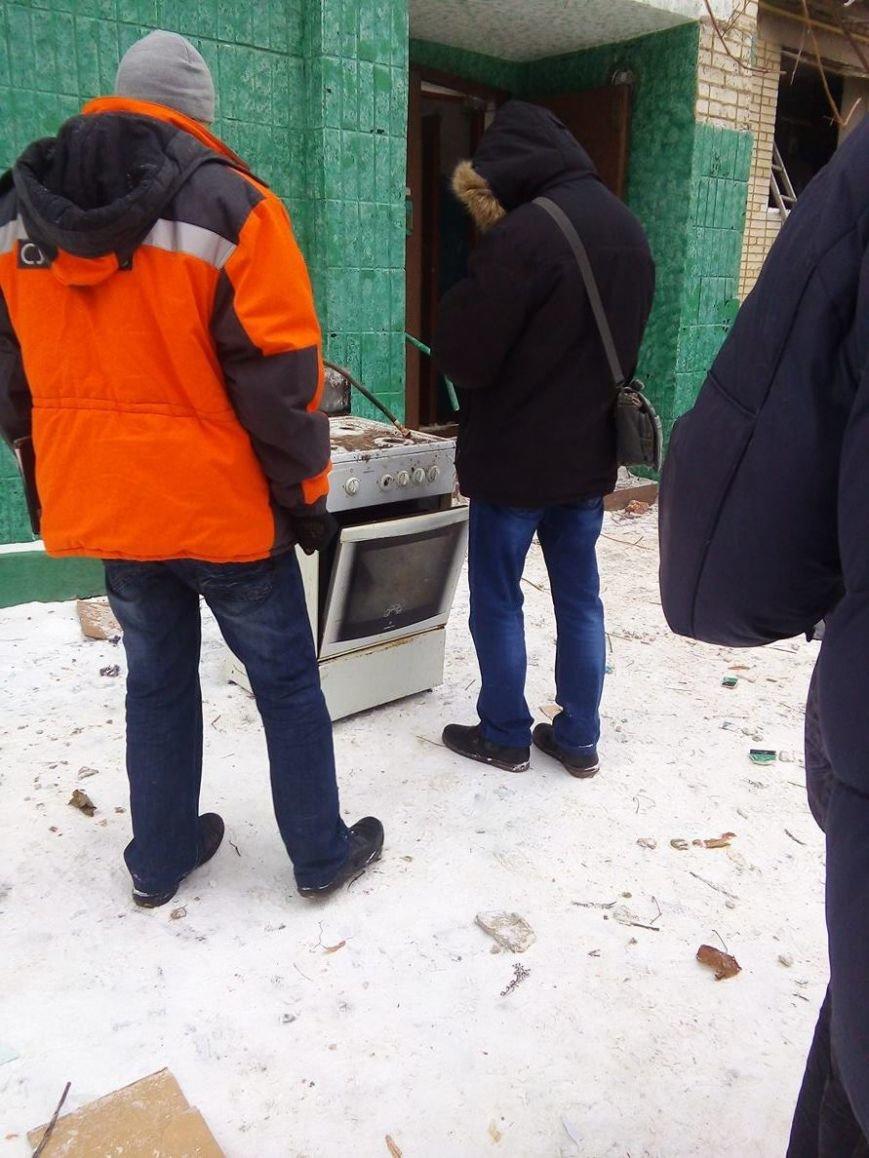 Для эвакуированных жителей дома на пр. Лушпы,  где прогремел взрыв, организовали пункт обогрева в школе № 23 (ФОТО), фото-5