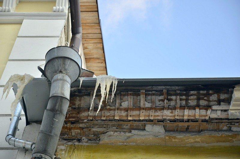 На зданиях Одессы образовались опасные сосульки (ФОТО), фото-3