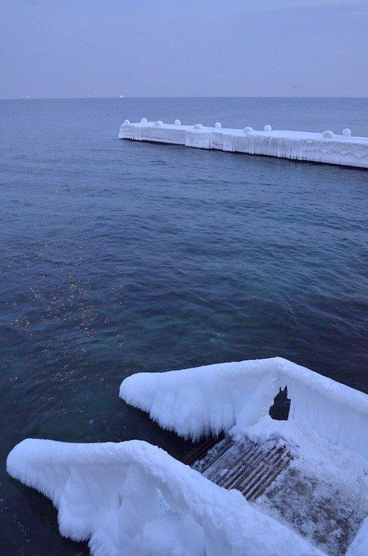 Набережная на одесском пляже стала похожа на ледокол (ФОТО), фото-15