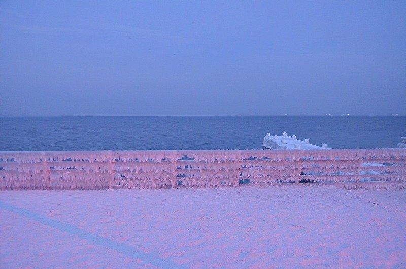 Набережная на одесском пляже стала похожа на ледокол (ФОТО), фото-9