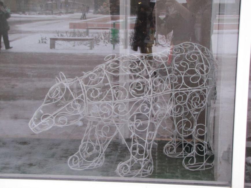 Светодиодные олени и медведь поселились в Доме культуры (фото), фото-3