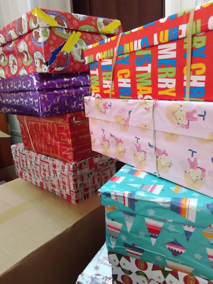 Дети военных, погибших в зоне АТО, получили рождественские подарки из Великобритании (фото), фото-1