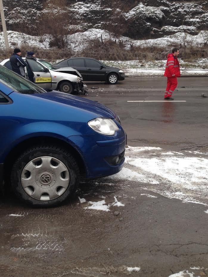 В ДТП под шлаковой горой в Мариуполе пострадали сразу пять человек (ФОТО), фото-4