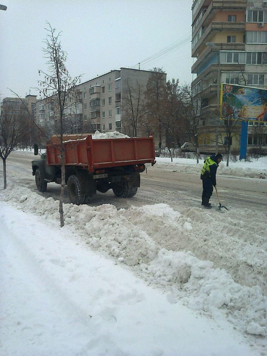 ФОТОФАКТ: Уборка улиц от снега в Вишневом, фото-3