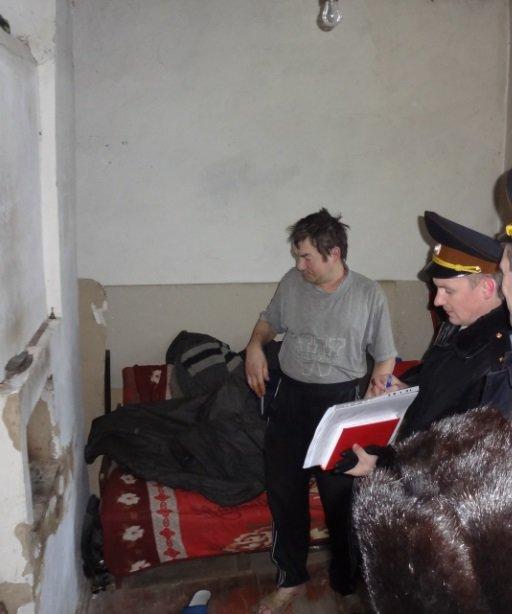 Рятувальники та поліцейські перевірили місця проживання безхатченків на Київщині (Фото), фото-4