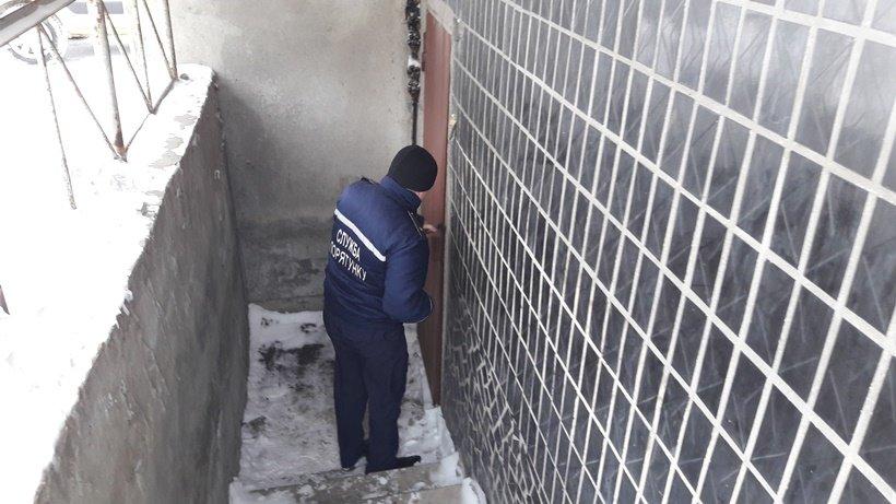 Рятувальники та поліцейські перевірили місця проживання безхатченків на Київщині (Фото), фото-7
