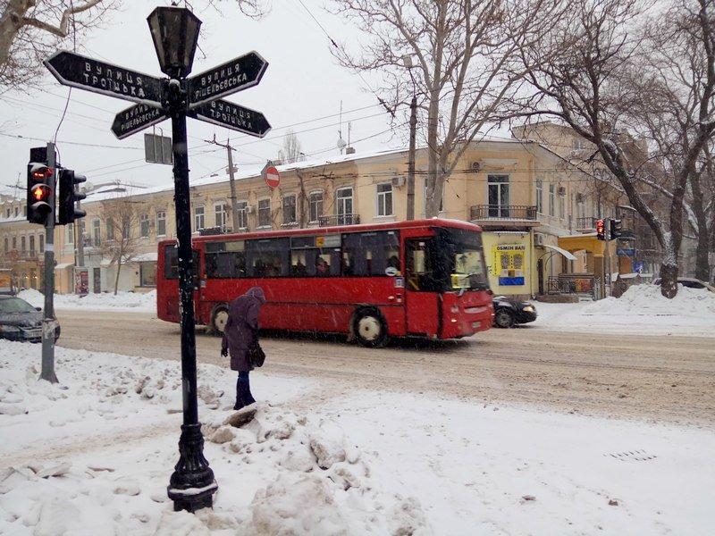 На рассвете Одессу стало заметать снегом сильнее (ФОТО), фото-8