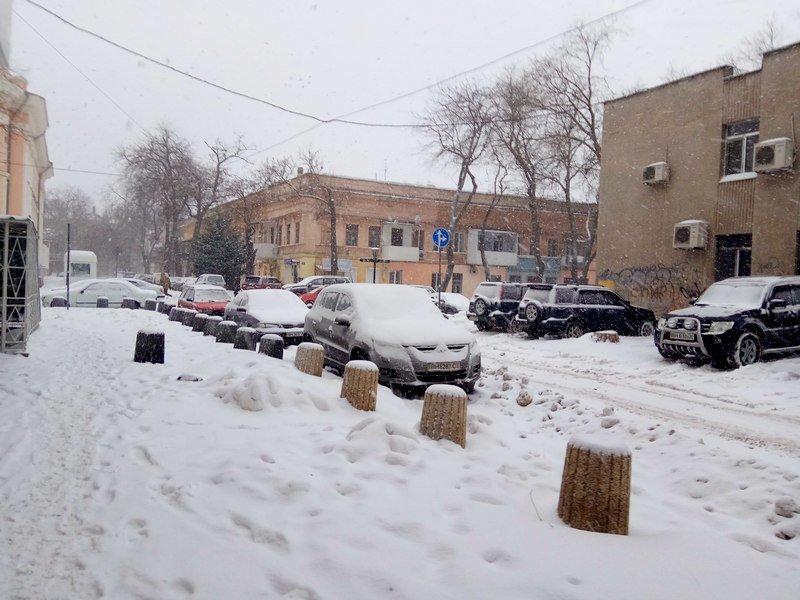 На рассвете Одессу стало заметать снегом сильнее (ФОТО), фото-2
