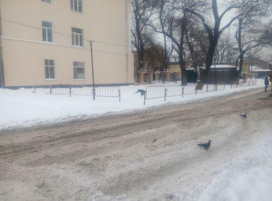 В центре Одессы в снегу застряла скорая (ФОТО), фото-1