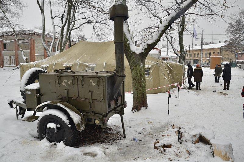 Бездомных Одессы согрели, одели и накормили в парке возле Привоза (ФОТО), фото-3
