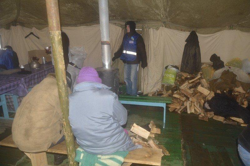 Бездомных Одессы согрели, одели и накормили в парке возле Привоза (ФОТО), фото-6