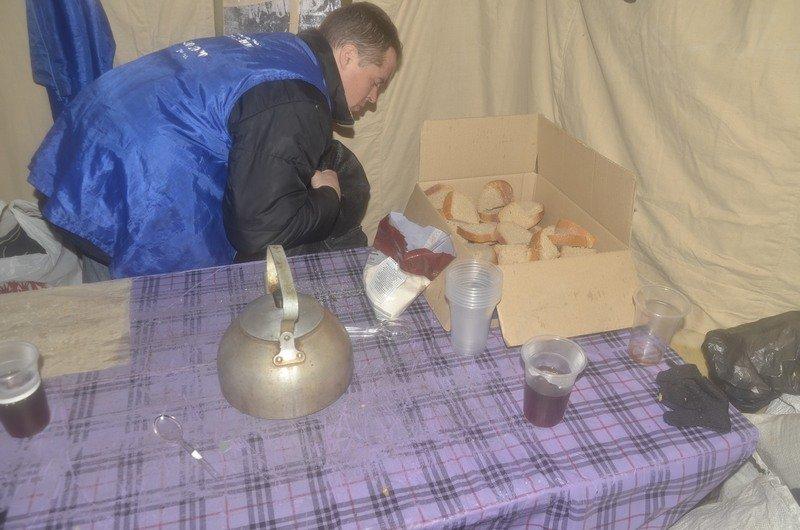 Бездомных Одессы согрели, одели и накормили в парке возле Привоза (ФОТО), фото-5