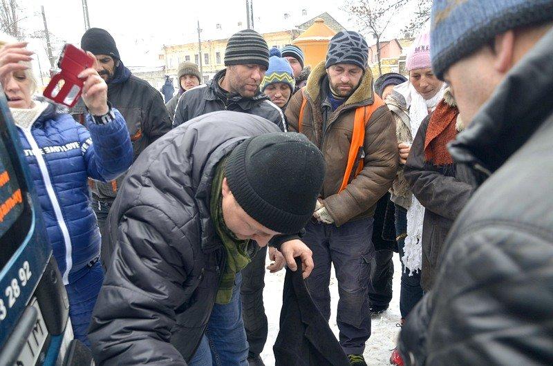 Бездомных Одессы согрели, одели и накормили в парке возле Привоза (ФОТО), фото-11