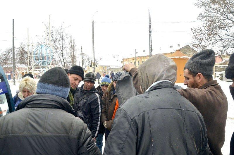 Бездомных Одессы согрели, одели и накормили в парке возле Привоза (ФОТО), фото-12