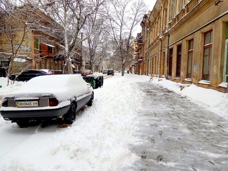 Снег начал таять, Одесса превратится в большой каток (ВИДЕО, ФОТО), фото-2