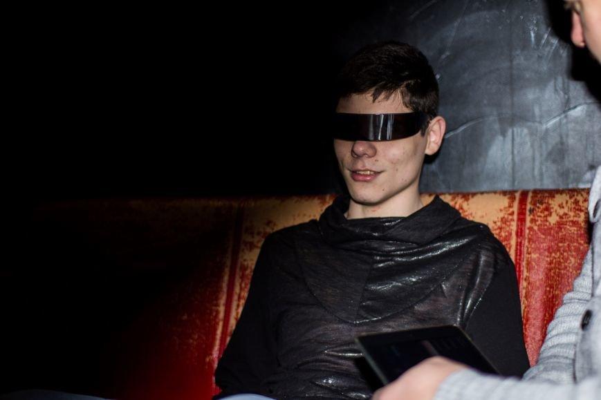 Мечты сбываются: как запорожский школьник, несмотря на слепоту, стал популярным диджеем, фото-1