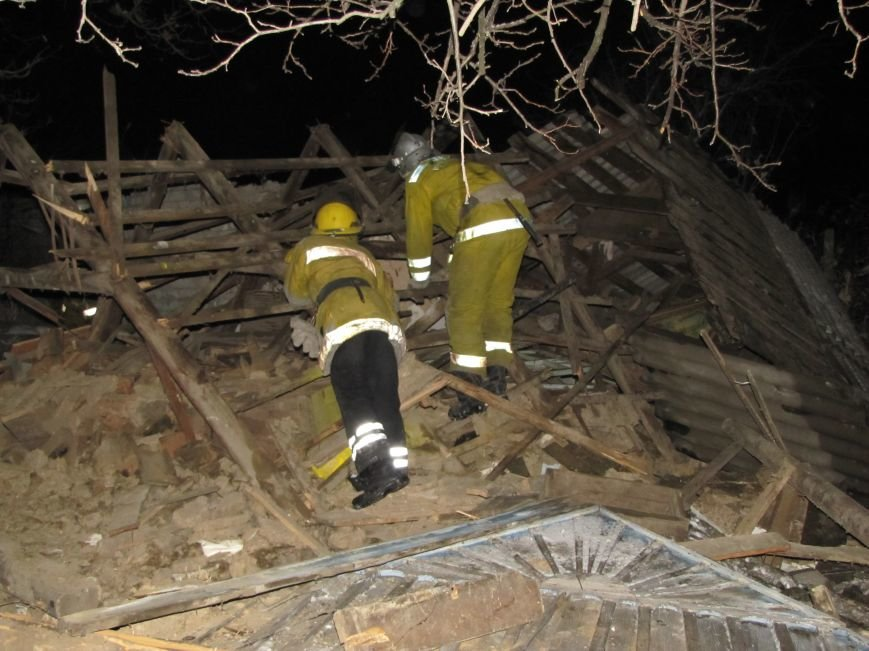 Взрыв в Мелитополе: дом разрушен, а 19-летний парень с ожогами в больнице (фото), фото-6